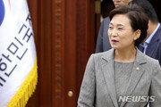 '안티드론에 현장경영까지' 깃발든 김현미 장관, 출마 의지 접었나