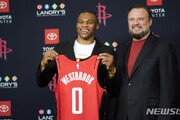 美NBA 후원 11개 中기업, 스폰서십 중단·연기 선언