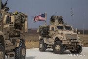 """""""배신자"""" """"거짓말쟁이""""…이라크로 향하는 미군에 돌멩이·쓰레기 던진 쿠르드족"""