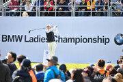 '국내파' 이승연·이소미 LPGA BMW 챔피언십 3R 공동1위 등극