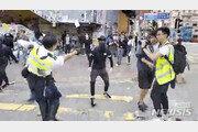 """SCMP """"실탄 맞은 홍콩 남성, 위중 상태지만 생명 지장없는 듯"""""""