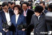 '패트 충돌' 한국당 의원 60명중 첫 출석…수사 급물살타나