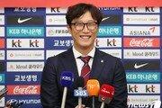 """'U-17 월드컵 8강' 김정수 감독 """"여기서 멈추지 말고 도전하자"""""""