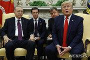 """트럼프 """"시리아에 미군 남겨둔 이유는 오직 석유 때문"""""""