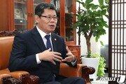 """김연철 통일부장관 """"'올림픽 휴전' 제안…北비핵화는 남북한·미국 함께"""""""