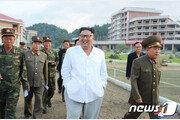"""北김정은, 양덕온천 찾아 """"볼수록 멋있다""""…올해만 네번째"""