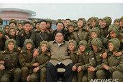 """김정은, 낙하산 침투훈련 지도…""""전쟁 준비 능력 향상시켜야"""""""