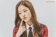 아이즈원, 교복 입고 꽃미모 발산…화보 비하인드 공개