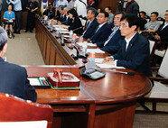 김관진 '책임지겠다'고 나서지 않는 이유는?