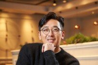"[DA:인터뷰②] '신과함께' 하정우 ""선봐서 결혼해야"" 재치만점"