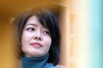"""[DA:인터뷰①] 김여진 """"황정민·세익스피어…20년 전 꿈 이뤘어요"""""""