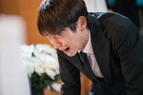 [DA:클립] '무법변호사' 이준기, 처절한 장례식 절규…복수 새국면?