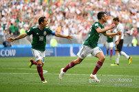 생각보다 더 강한 멕시코, 로사노 선제골로 독일에 전반 1-0 리드