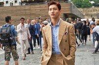 최강창민, 조각이 걸어다닌다…밀라노 패션위크 참석