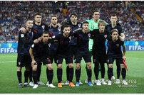 [스토리 월드컵] 죽음의 D조서 3승…크로아티아가 쓰는 '네버엔딩 스토리'