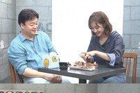 "[DA:클립] '골목식당' 백종원 ""골 때리는 맛"" 혹평…3MC 시식 거부"