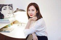 """[DA:인터뷰①] 채시라 """"8페이지 암기 과부하, 그래도 행복한 주인공"""""""