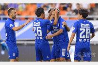 [포토] 데얀 '친정팀 상대로 첫 골 신고!'