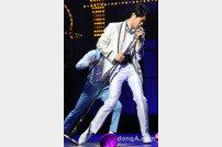 """'오! 캐롤' 박영수 """"스탠딩 마이크와 혼연일체 되려 노력"""""""