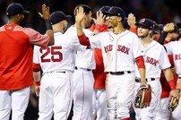 '사이클링 히트+역사적 대승'으로 양키스 완파한 보스턴