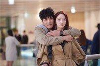 [DA:클립] '비켜라 운명아' 서효림, 박윤재 '기습 백허그'에 '깜짝'