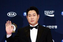 '2018 골든글러브' 두산 '4명 수상'… 린드블럼-양의지-허경민-김재환
