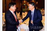 """양의지, """"김태형 감독 평생 모시지 못해 죄송"""""""