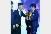 [포토] 최진호 프로 '대상 축하 축하'