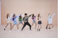 [DA:클립] '아이돌룸' 김종민 VS 청하, 가요계 선후배 댄스배틀 성사
