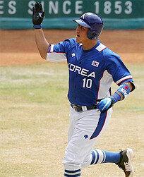 '4홈런' 황재균, 아시안게임 단일대회 최다홈런 타이