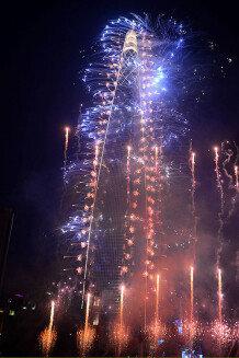 [영상] 123층 수놓은 40억 불꽃쇼