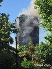 [영상] 불기둥 된 런던 아파트