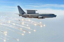'하늘의 전투지휘소' 공중조기경보통제기 E-737 '피스아이(Peace eye)'