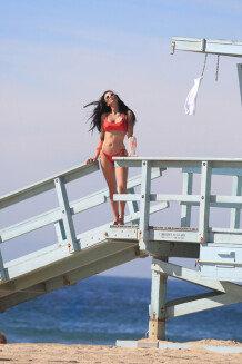 세상에서 가장 아름다운 여성 1위, 타니아 마리 커린지