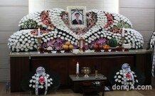 [화보]조민기 빈소. 건국대 장례식장에 마련