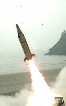 방위사업청, 중거리 지대공미사일 M-SAM 요격실험 성공