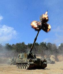[화보] 육군, 해상사격훈련 실시…'불 뿜는 K-9자주포'