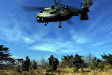 [화보] 공군, 항공구조사 전투생환 및 산악구조훈련 실시