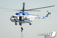 경찰특공대의 헬기레펠 강하