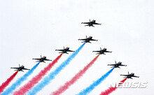 [화보] 공군 특수비행단 '블랙이글스'… '화려한 비행'