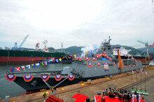 '2300톤급 차기호위함' 광주함 해군에 인도…교체 1단계 완료