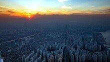 롯데월드타워 123층 옥상에서 바라본 서울 한강과 도심