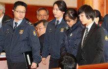 최순실, 朴 탄핵심판 증인 출석…'묵묵부답'