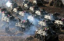 김정은, 북한 105탱크사단 공격전술훈련 지도
