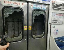 부산 지하철 전동차 넘어진 터널 환풍기에 와장창