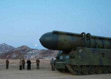 北, IRBM탑재 무한궤도형 이동발사대 첫 공개