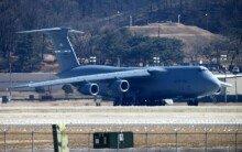 사드 발사대 싣고 1만km 날아온 美 거대수송기 C-17