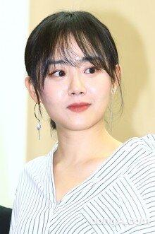 [화보]문근영 '급성구획증후군 수술 후 첫 공식석상'