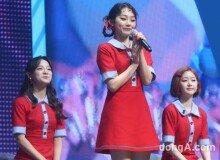 [화보]구구단 미나, 김세정 따라잡기.. 최강 애교