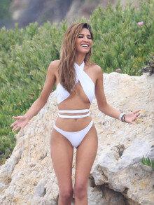 미국 LA 출신 모델 CJ 프랑코, 흰색 비키니 입고 '여신적' 자태 뽐내